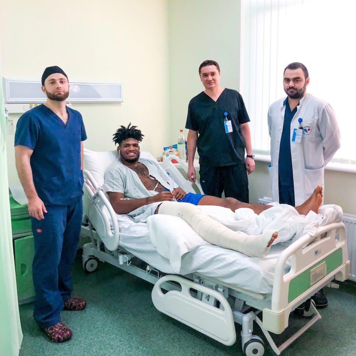 Команда хирургов Клиники Святой Екатерины